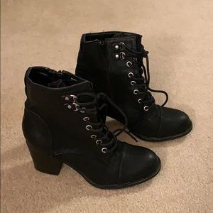 Madden Girl black lace up heeled combat boots, 7